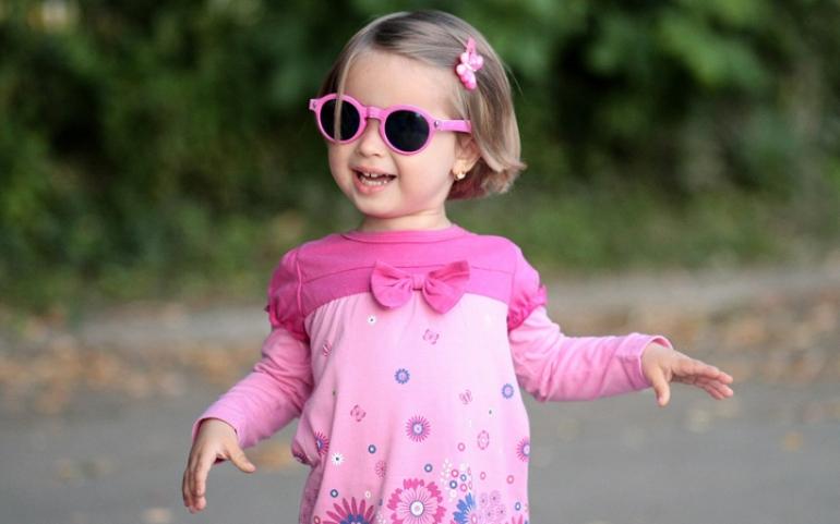 Γυαλιά ηλίου για παιδιά. Πώς να επιλέξετε τα κατάλληλα παιδικά γυαλιά και τι  να προσέξετε. dbc0c803f75